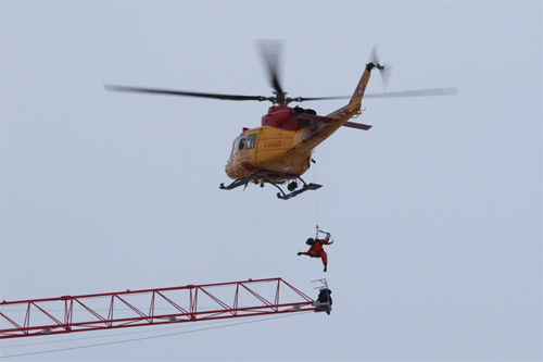 CTVNews image of helicopter rescue, lower, pick-off & raise. A CMC Rescue Equipment Blog Post.